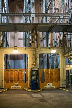 Fahrkörbe im alten Elbtunnel Hamburg | Bildschönes Hamburg