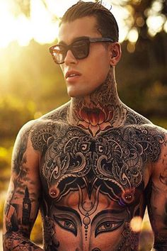100 Best Stomach Tattoos for Guys in 2020 – Cool and Unique Designs Cool Chest Tattoos, Chest Tattoos For Women, Great Tattoos, Tattoos For Guys, Tattooed Guys, Amazing Tattoos, Mode Streetwear, Streetwear Fashion, Streetwear Clothing