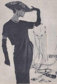 The Mushroom Hat - 1950's Headwear