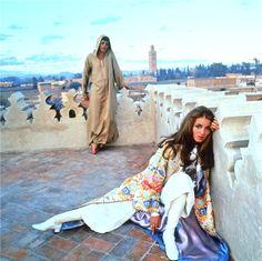 Talitha Getty et Paul, pris à Marrakech par Patrick Lichfield en 1969