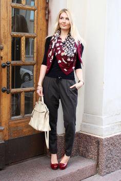 Shirt: Reflex / Pants: Zara / Bag: Furla / Shoes: Diavolina / Scarf: Furla / Bracelets: KappAhl