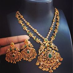 Gold Body Jewelry Near Me. Gold Body Jewellery, Gold Jewellery Design, Jewellery Box, Body Jewelry, Diamond Jewellery, Gold Earrings Designs, Necklace Designs, Jhumka Designs, Fashion Necklace