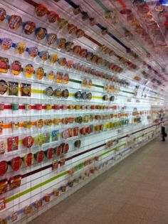 The tunnel of ramen. Shin-Yokohama Ramen Museum, Osaka.