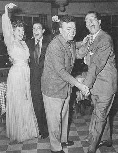 "Rita Hayworth, Gene Kelly, Phil Silvers, and Charles Vidor in ""Las modelos"" - (1944) -"