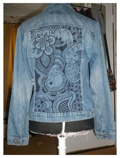 Estilo Jeans, Diy Kleidung, Denim Ideas, Denim Crafts, Altered Couture, Painted Clothes, Embellished Jeans, Recycled Denim, Denim And Lace