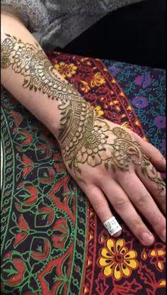 Henna at Epoch Arts Henna at Epoch Arts,Körperkunst Henna at Epoch Arts www.JamilahHennaC… Related Latest Eid Mehndi Designs to Embrace Ramzan in - Henna designs Stunning Arrow Tattoo Designs And Their. Henna Designs, Mehndi Designs Finger, Stylish Mehndi Designs, Wedding Mehndi Designs, Mehndi Designs For Fingers, Beautiful Mehndi Design, Latest Mehndi Designs, Henna Tattoos, Henna Tattoo Hand