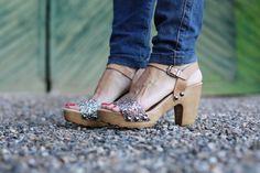 Sandalias brillantes