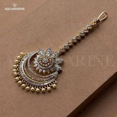 Tika jewelry - 20 Maang Tikka, The Perfect Touch Of Elegance To Your Wedding Look – Tika jewelry Tika Jewelry, Indian Jewelry Earrings, Indian Jewelry Sets, Jewelry Design Earrings, Indian Wedding Jewelry, Gold Earrings Designs, Bridal Jewelry Sets, Gold Jewelry, Necklaces