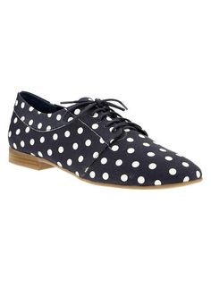 seriously LOVING these polka dotted oxfords from the gap.