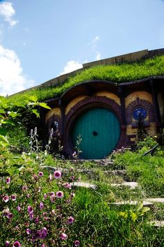 I have one question. If I move in does frodo come with the house :)