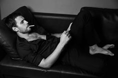 Hot Men, Hot Guys, Men Smoking Cigarettes, Man Smoking, Smokers, Che Guevara, Black And White