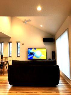 のびのび、ゆったり。家族時間を格上げするリビング。 Flat Screen, Design, Blood Plasma, Flatscreen, Dish Display