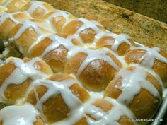 What To Do on Good Friday - Hot Cross Buns -- make them yourself, they are a tradition Eve Out of the Garden Cross Buns Recipe, Bun Recipe, Easter Hot Cross Buns, Light Olive Oil, Yeast Rolls, Easter Traditions, Good Friday, Foods To Eat, Easter Recipes