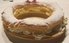 Tortel de hojaldre con relleno de nata