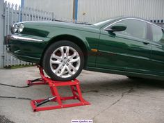 HYDRAULIC CAR RAMPS