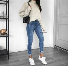 Casual Outfits Ideas To Look Charming 💕 – Trendy Fashion Ideas Sneakers Fashion Outfits, Mode Outfits, Trendy Outfits, Fashion Mode, Look Fashion, Winter Fashion, Womens Fashion, Trendy Fashion, Fashion Ideas