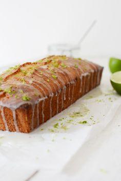 Frisse limoencake met Griekse yoghurt en kokos   Bakrecept