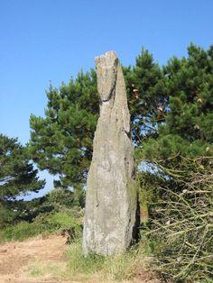 Menhir du Ruen - Treffiagat (29) - France