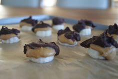 "Dark Chocolate Frozen Peanut Butter-Banana Bites (great idea mini bites of ""frozen banana on a stick)"