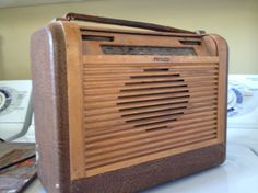 Philco tube radio from 1946 Tube, Garage, Home Appliances, Carport Garage, House Appliances, Garages, Appliances, Car Garage, Carriage House