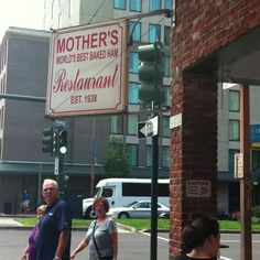 New Orleans | famous Mother's Restaurant