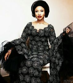 African Fashion – Designer Fashion Tips African Blouses, African Lace Dresses, African Fashion Dresses, African Outfits, African Attire, African Wear, African Women, African Style, African Fashion Designers