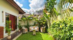 Villas At Seminyak Square, Bali 16 Bali Garden, Balinese Garden, Small Garden Landscape, Shell Lamp, Tropical Houses, Tropical Gardens, Backyard, Patio, Garden Landscaping