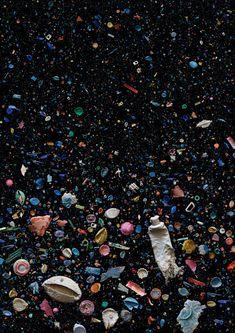 Plastic oceanic debris