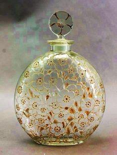 Vicsmuse: The Perfume Bottles of Rene Lalique