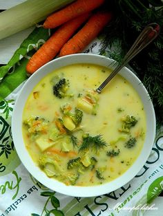 My simple kitchen: Zupa brokułowa z serkiem topionym Vegetable Soup Recipes, Easy Soup Recipes, Baby Food Recipes, Cake Recipes, Vegetarian Recipes, Winter Root Vegetables, Polish Recipes, Polish Food, Complete Recipe