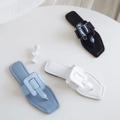 Shop the latest women shoes flats shoes at Chiko Shoes in wide variety of styles including ballerina, flats loafers, flats sandals, flats mules and sandals. Zapatos Shoes, Women's Shoes Sandals, Leather Sandals, Shoe Boots, Flats, Wedge Sandals, Walk In My Shoes, Me Too Shoes, Hot Shoes