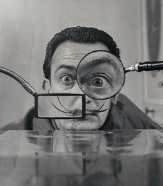 © Willy Rizzo, SALVADOR DALI- Loupes, Paris, 1949. Courtesy of Galerie Dumonteil, Shanghai, Paris, New York