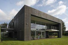 Er schuilt heel wat meer achter dit gebouw dan op het eerste gezicht lijkt   | roomed.nl