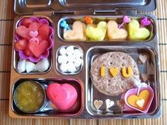 A WHOLE BLOG ABOUT WHAT TO PACK FOR LUNCH! Kill me now! So perfect!