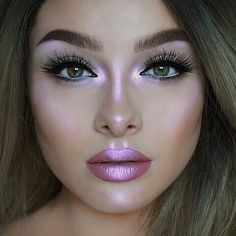 🌠 #MAKEUP #GOALS  💖 I love this #makeuplook! So #beautiful! ✨ #Highlighter #unicorn #holo #holographic #limecrimemakeup #limecrime #lavendar #purple #pink #glow #sparkle #shine #shimmer #glowing #sparkling #shining #shimmering #HILITE #cosmetics #beauty 🌐 Posted by: @reviewz_by_jewelz on #instagram 📷 Reposted from: @limecrimemakeup on #ig 🌈 Photo Credit: @jessicarose_makeup on ig