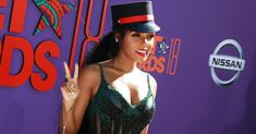 Janelle Monáe wore a rainbow dress to the BET Awards, and it was stunning  #music #lgbtq #Pride  https://www.pinknews.co.uk/2018/06/25/janelle-monae-rainbow-dress-bet-awards-stunning/