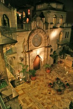 Riverside, California: The chapel at the Mission Inn.