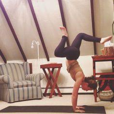 VIDEO: jump to handstand. awkward dance-y yoga feet.   http://instagram.com/p/jmcHvaHmMc/ #igniteyourfeelgood #yogaeverydamnday #yoga #handstand