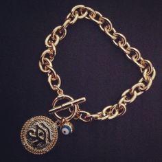 O que você achou dessa pulseira? Super contra inveja e olho gordo! Xô! (Presta atenção nas Mini pedrinhas de zircônia da medalhinha)  R$ 22,90 Ref. 107 #pulseiras #agenuina #moda #bijoux #pulseirismo #fashion Informações: agenuina@gmail.com [hangout] Instagram: @A Genuína