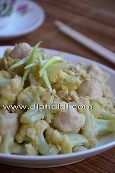 Diah Didi's Kitchen: Menu Sarapan Mudah..dan Enak..*Orak Arik Bunga Kol & Bakso*