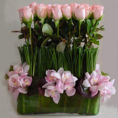 modern roses, Kevin Lee...I WOULD LOVE THIS...KEEP DREAMING MARGO...x