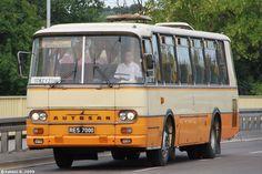 Autosan H9 to rodzina autobusów lokalnych i międzymiastowych klasy midi produkowanych w latach 1973-2002 w Sanockiej Fabryce Autobusów (SFA) Pozwalał zabrać do 48 osób (36+2 na miejscach siedzących, 10 na stojących).