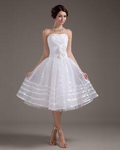 Focus: Tutto ciò che c'è da sapere sul matrimonio civile (seconda parte) - abito da sposa  stile anni 50