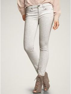 Love these skinny jeans, with the subtle cheetah print!