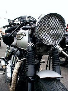 I looking to buy a  bike like that awesome !