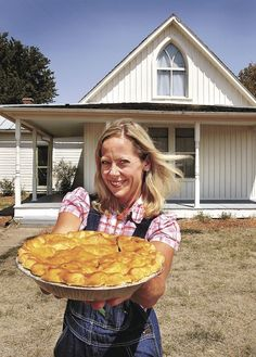 The American Gothic house's modern resident is a writer and pie pusher. Inside pics!