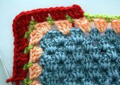 Granny Stripe Edging Tutorial on Happy in Red at http://happyinred.blogspot.nl/2012/02/granny-stripe-edging-tutorial.html ~☆~Teresa Restegui http://www.pinterest.com/teretegui/ ~☆~