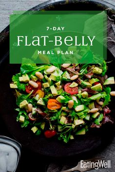 Clean Eating This meal plan incorporates these flat-belly foods, plus vegetables, whole grains, fruits and healthy fats and protein, in delicious ways to help make it easier to lose belly fat and feel great. Clean Eating Meal Plan, Clean Eating Recipes, Clean Eating Snacks, Diet Recipes, Healthy Recipes, Clean Eating For Beginners, Healthy Meals For One, Cleanse Recipes, Healthy Foods To Eat
