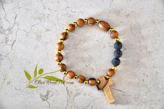 Croix en bois d'Olivier bracelet en bois mini chapelet perles dorées et naturel d'Olivier Terre Sainte