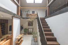 Gallery of Store Renovation for Lost and Found in Beijing / B.L.U.E. Architecture Studio - 2